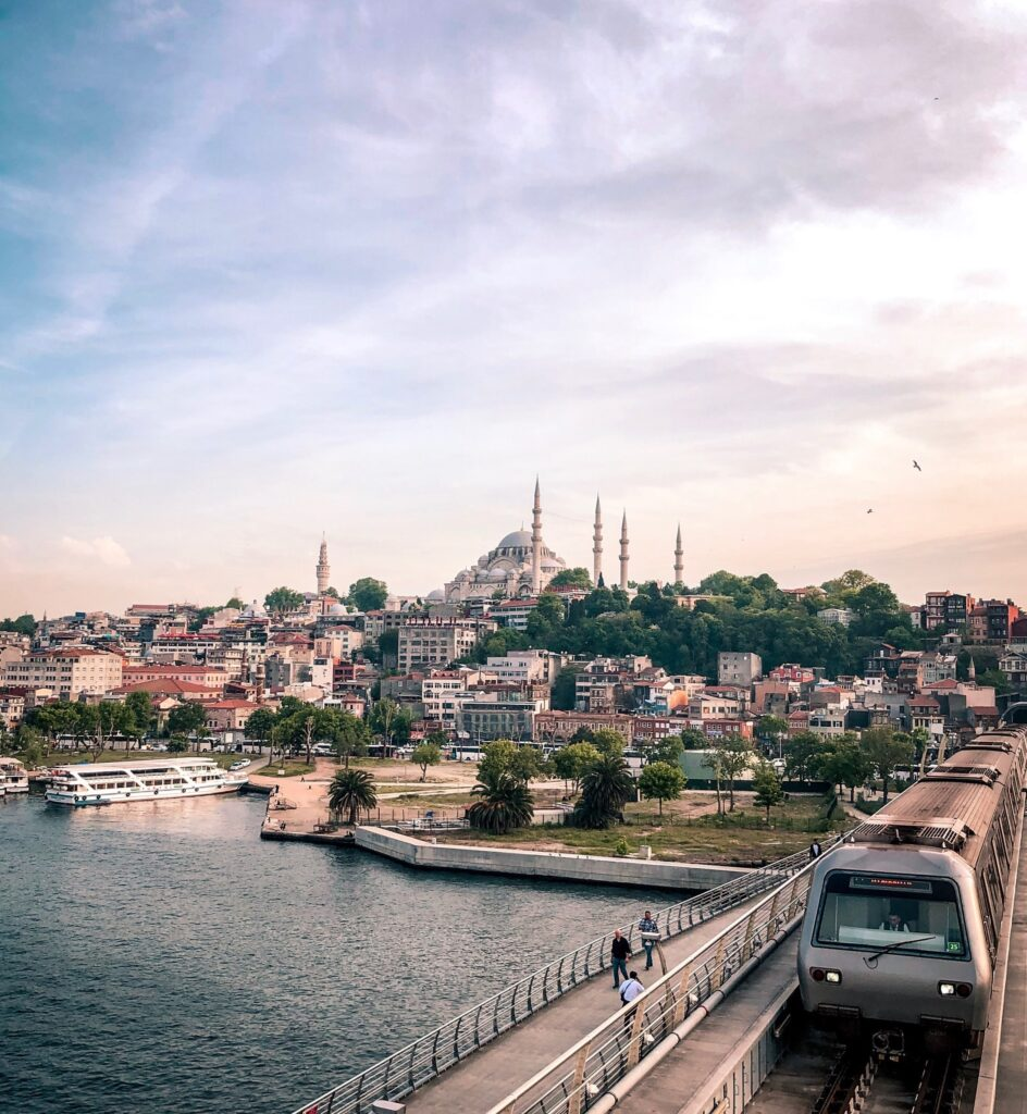 This image has an empty alt attribute; its file name is Istanbul-1-slika-944x1024.jpg